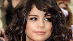 Beautiful Selena Gomez American Singer Actress Celebrity Girl Wallpaper #062