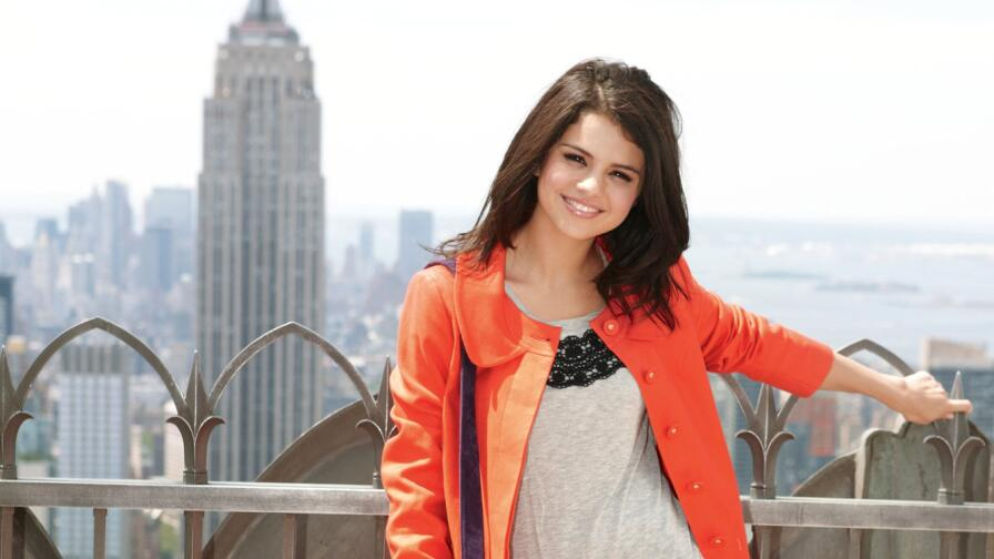 Beautiful Selena Gomez American Singer Actress Celebrity Girl Wallpaper #316