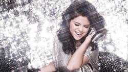 Beautiful Selena Gomez American Singer Actress Celebrity Girl Wallpaper #358
