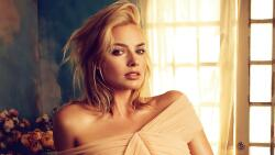 Margot Robbie Australian Actress Celebrity Girl Wallpaper #001
