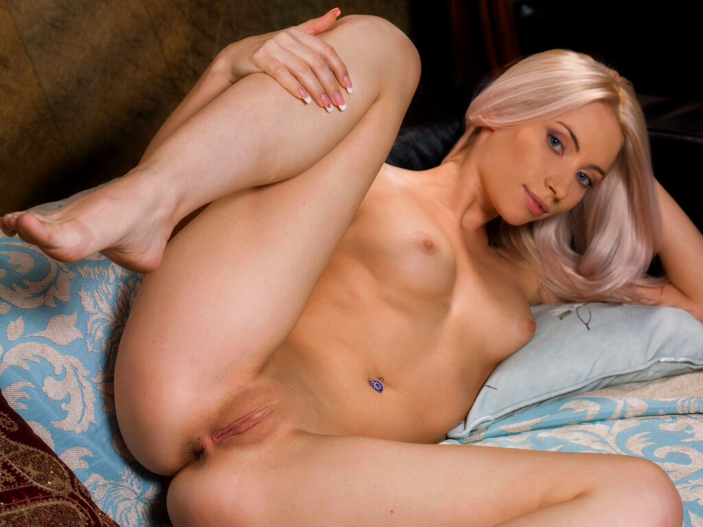 Nude Open Legs Shaved Pussy Pierced Blue-eyed Smiling Blonde Girl Wallpaper #1935