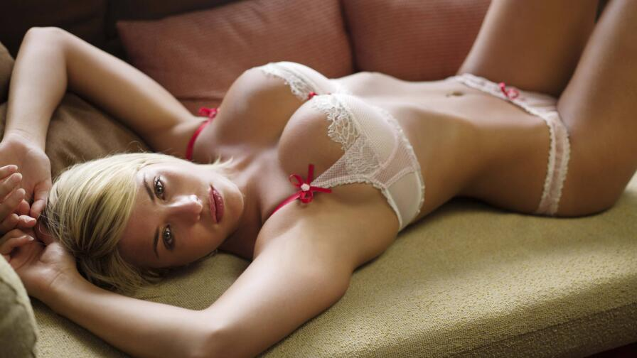 Sensual Babe Gemma Atkinson Hot Blonde English Model Girl Wallpaper #065