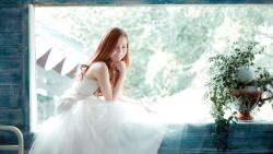 Sexy Smiling Slim Red Hair Bride Teen Girl Wallpaper #3376